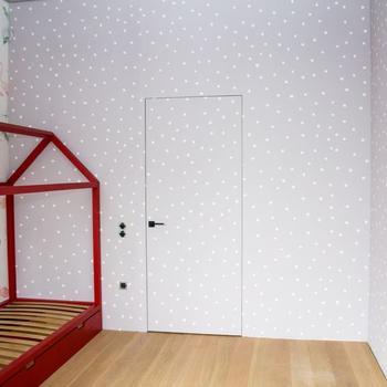 Межкомнатные двери со скрытой коробкой двери в интерьере