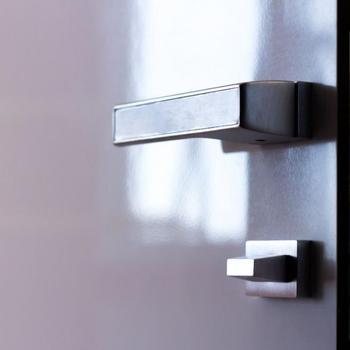 скрытые двери в интерьере